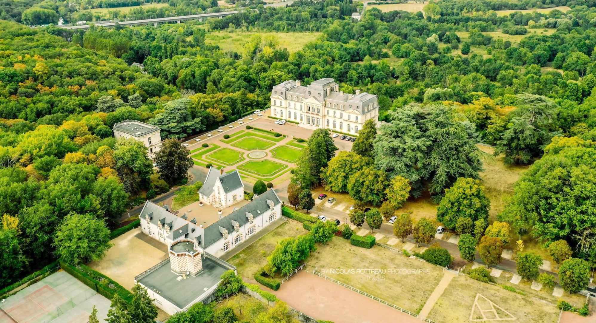 vua aérienne Chateau d'Artigny