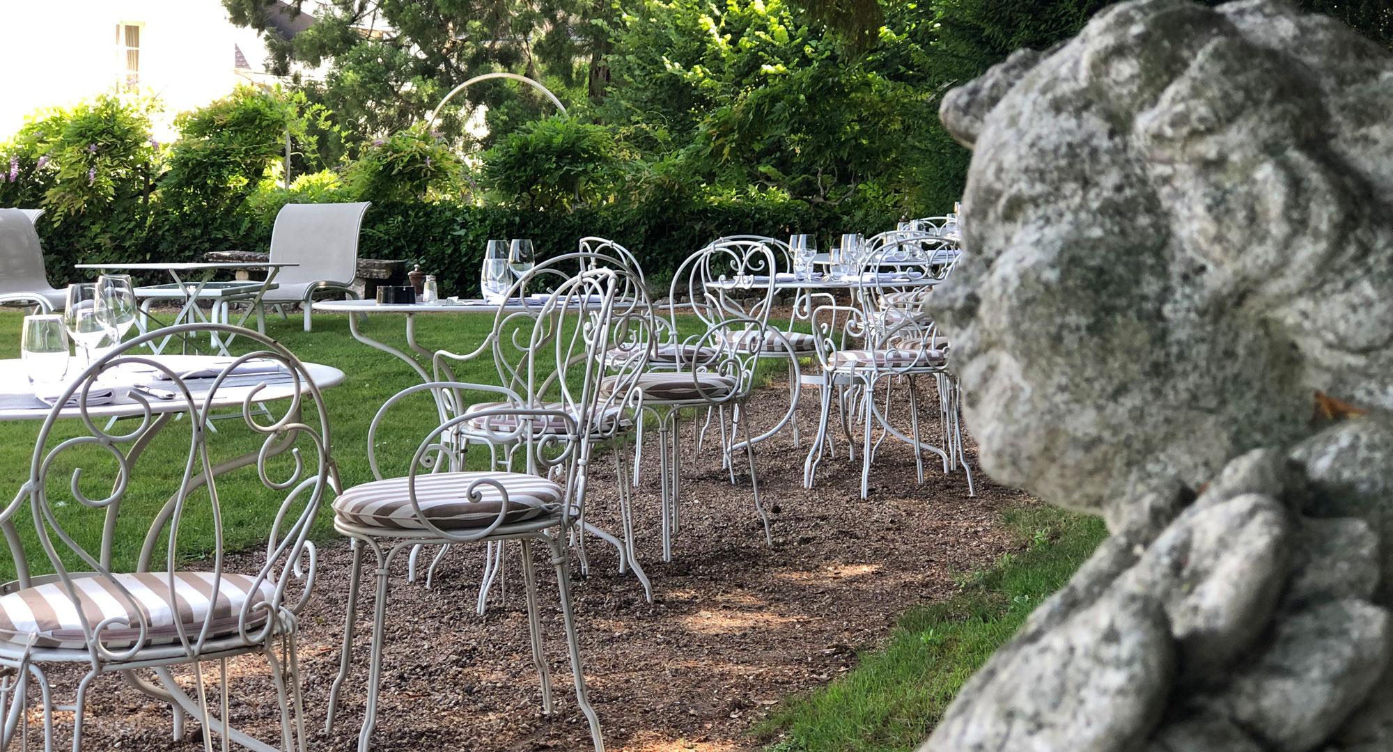 Le Choiseul - Déjeuner en terrasse à Amboise