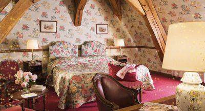 romantic room Burgundy