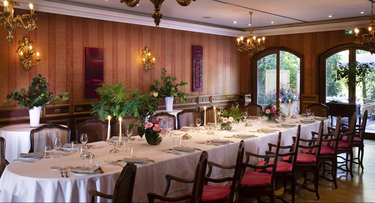 Banquet Fete De Famille Famille Hotel Chateau De L Ile