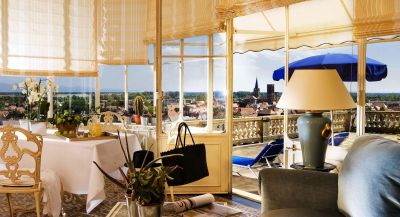Rooms and suites at chateau d'Isenbourg